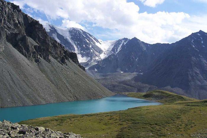 Синее озеро на Алтае